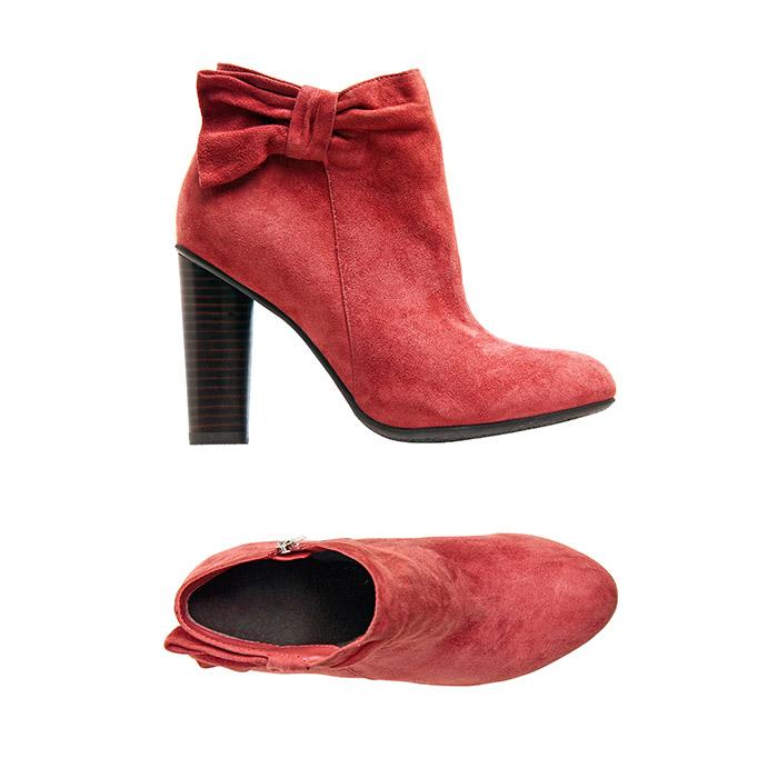 Tassel Red